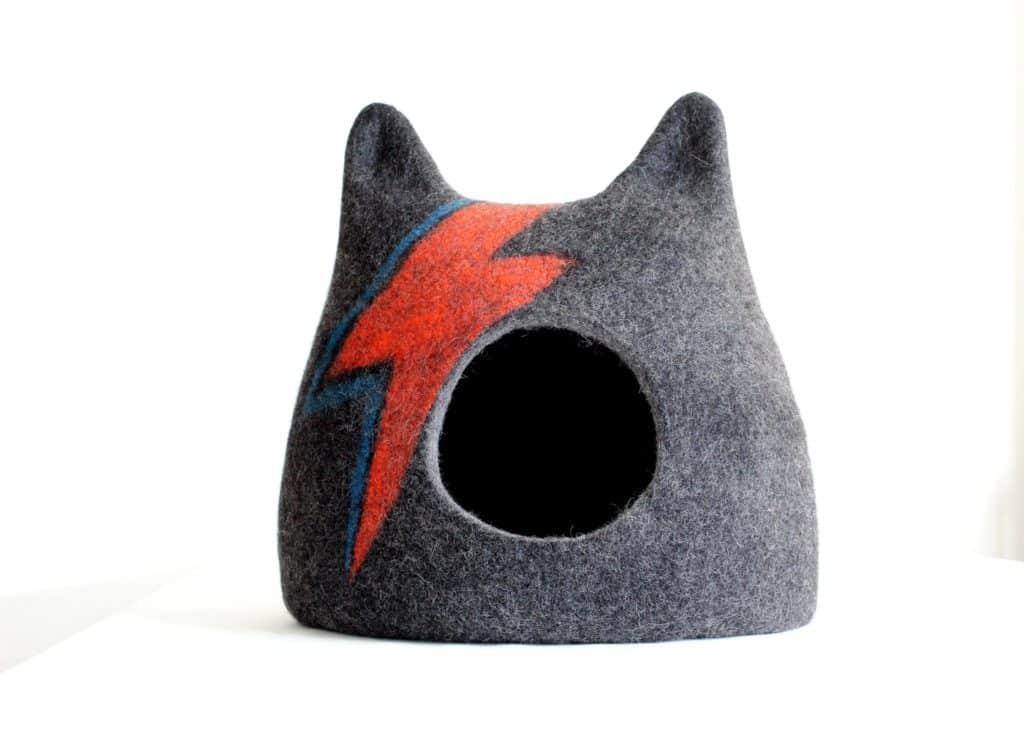 niche chat oreilles motif éclair