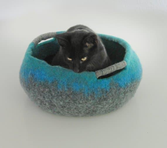 coussin chat feutre coloris multiple