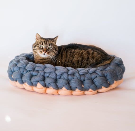 coussin nid chat laine grosse maille