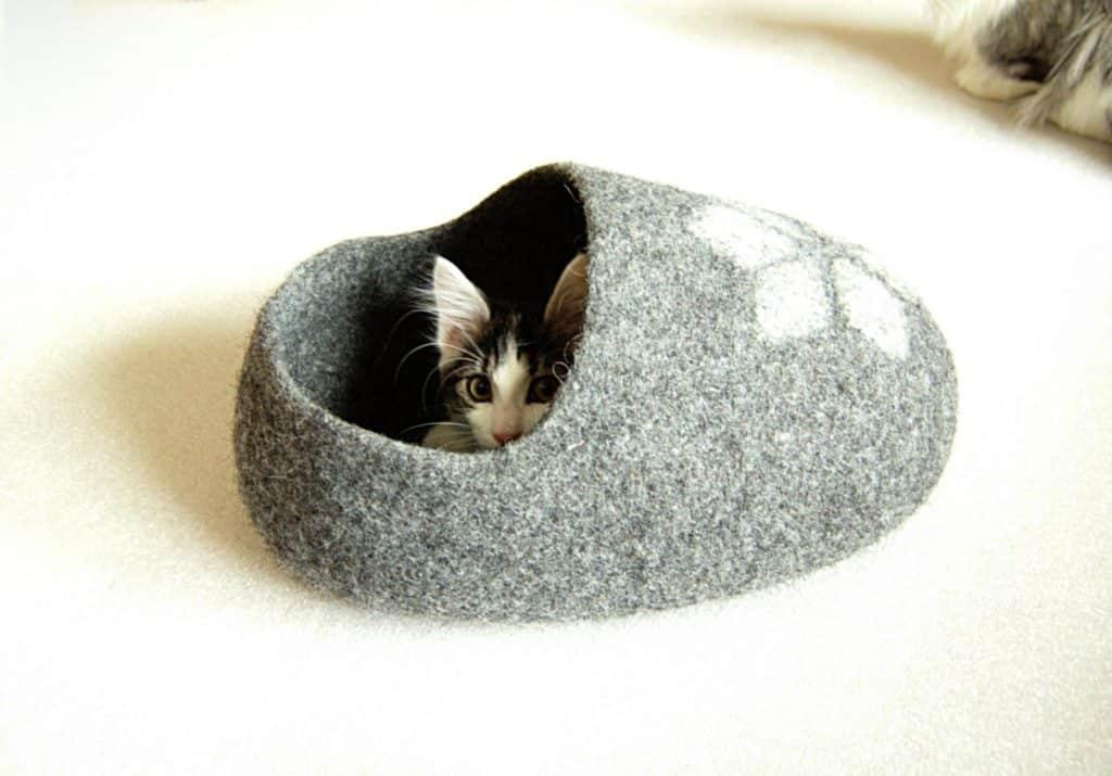 pantoufle grotte chat
