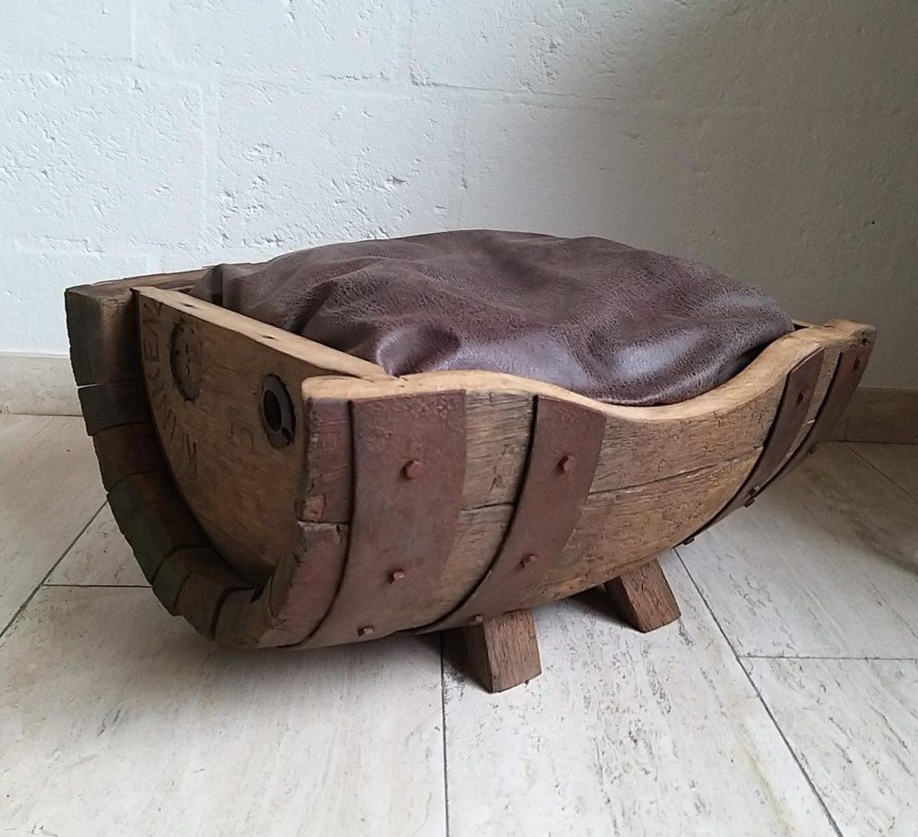 lit de chat en cuir